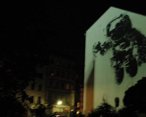 victor_ash_astronaut_berlin_3